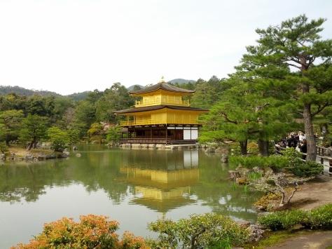 Ich präsentiere: Der Kinkaku-ji, der mit Blattgold verzierte Tempel