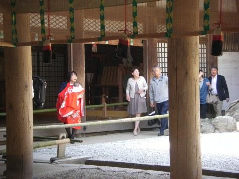 Kasuga Taisha #3 - vielleicht ist das eine shintoistische Taufe